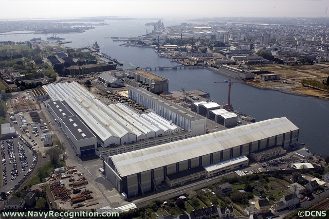 The DCNS shipyard in Lorient specializes in surface vessels (picture: DCNS)