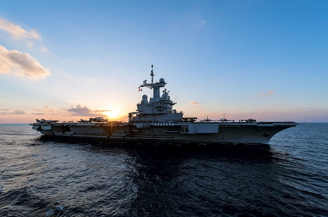 The French aircraft carrier FS Charles de Gaulle (R 91) conducted its first missions against ISIL from the Arabian Gulf as the flagship for Commander Task Force (CTF) 50 on Dec. 20.