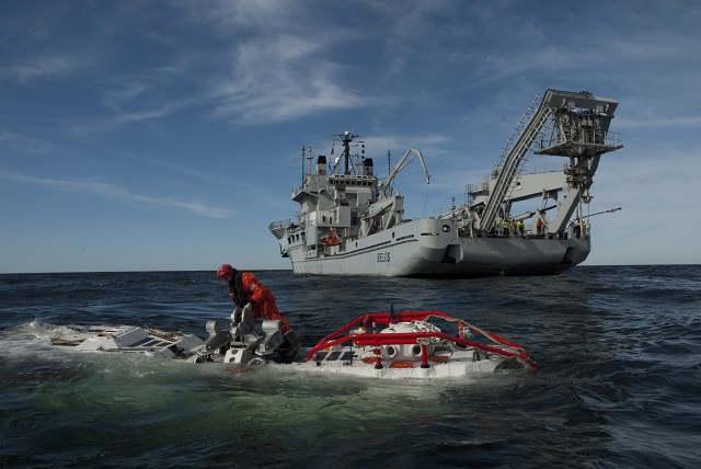 JFD, which was formed by the merger of James Fisher Defence and Divex in 2014, announced that it has been awarded a £12.1m contract by the UK Ministry of Defence for the provision of the NATO Submarine Rescue System (NSRS). The five-year contract includes options through to 2023 and encompasses all aspects of operation and through-life-support.