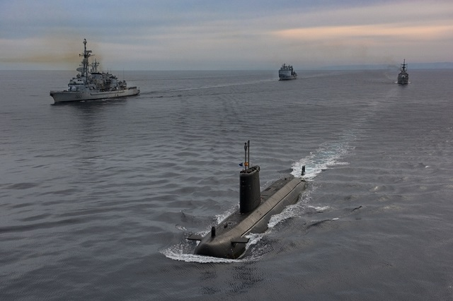 NATO's Submarine Warfare Exercise DYNAMIC MANTA 2016 (DYMA 16) began one week ago off the Sicilian coast, with ships, submarines, and aircraft and personnel from 8 Allied nations converging on the Central Mediterranean Sea for anti-submarine warfare (ASW) and anti-surface warfare training.