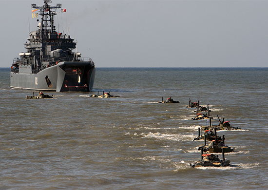 The Project 775 (NATO reporting name: Ropucha I-class) Korolyov and Alexander Shabalin amphibious assault ships of the Russian Navy's Baltic Fleet landed Russian Marines on an austere beachhead in an amphibious assault exercise, the fleet's spokesman, Andrei Bespaly, has told journalists.