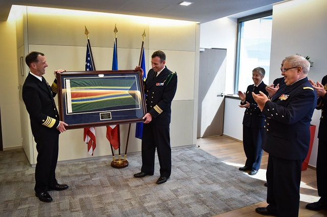 On June 24th, the French Navy (Marine Nationale) chief of staff, Admiral Bernard Rogel, welcomed his US Navy counterpart, the Chief of Naval Operations (CNO) Admiral John Richardson in Paris. This visit was an opportunity to highlight the excellent cooperation between the two navies who are conducting joint operations on every seas of the world with an unprecedented level of interoperability.