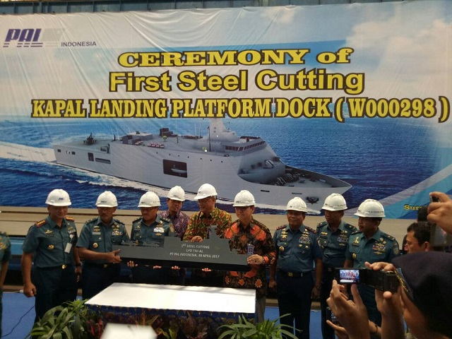 PT Pal Cuts First Steel for Indonesian Navy - TNI AL - Sixth Landing Platform Dock
