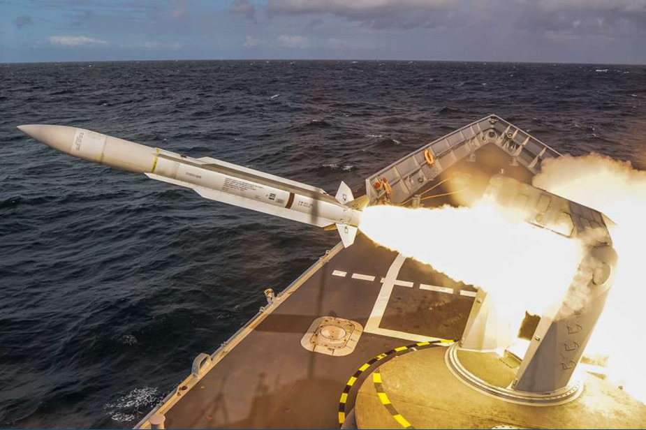 Polish Navy Perry class Frigate in Maiden SM 1 SAM Test Firing