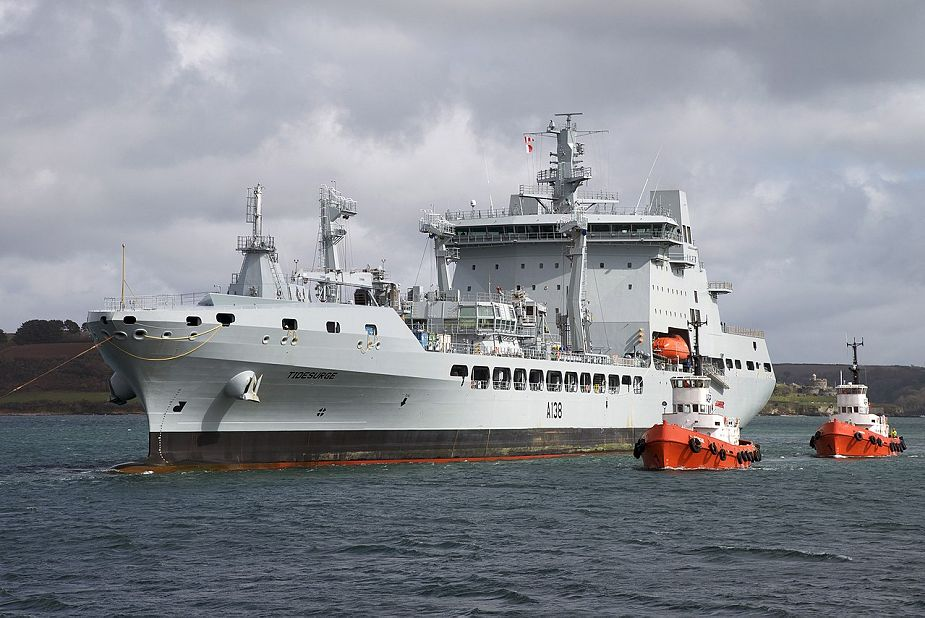 Refueling on the sea by RFA Tidesurge Tide class replenishment tanker of British Royal Navy 925 001