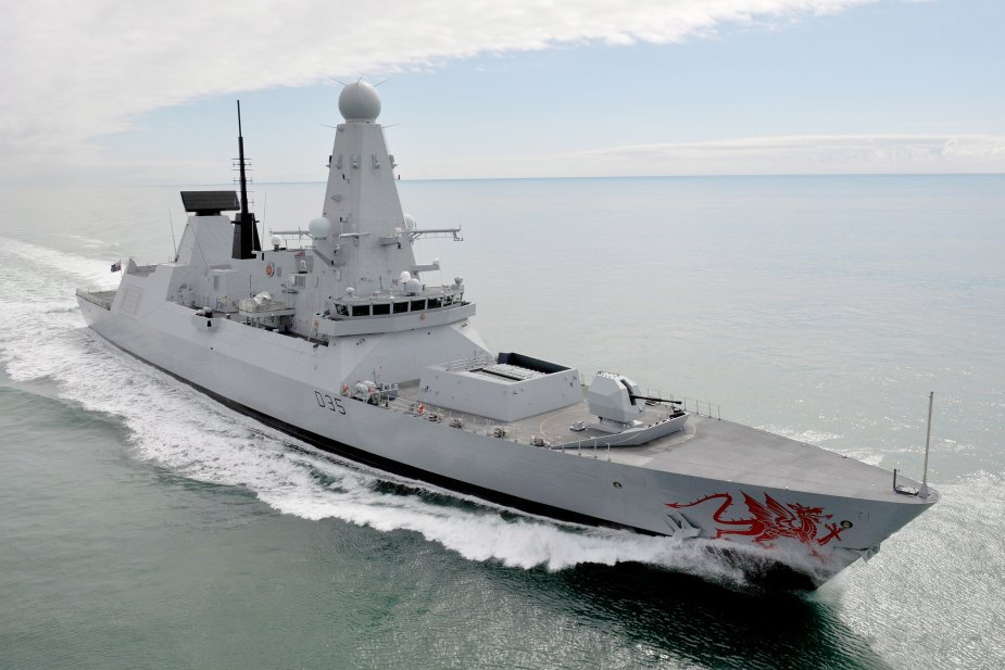 Royal Navy Destroyer HMS Dragon Conducts Training with U.S. Navy Carrier Strike Group 925 001