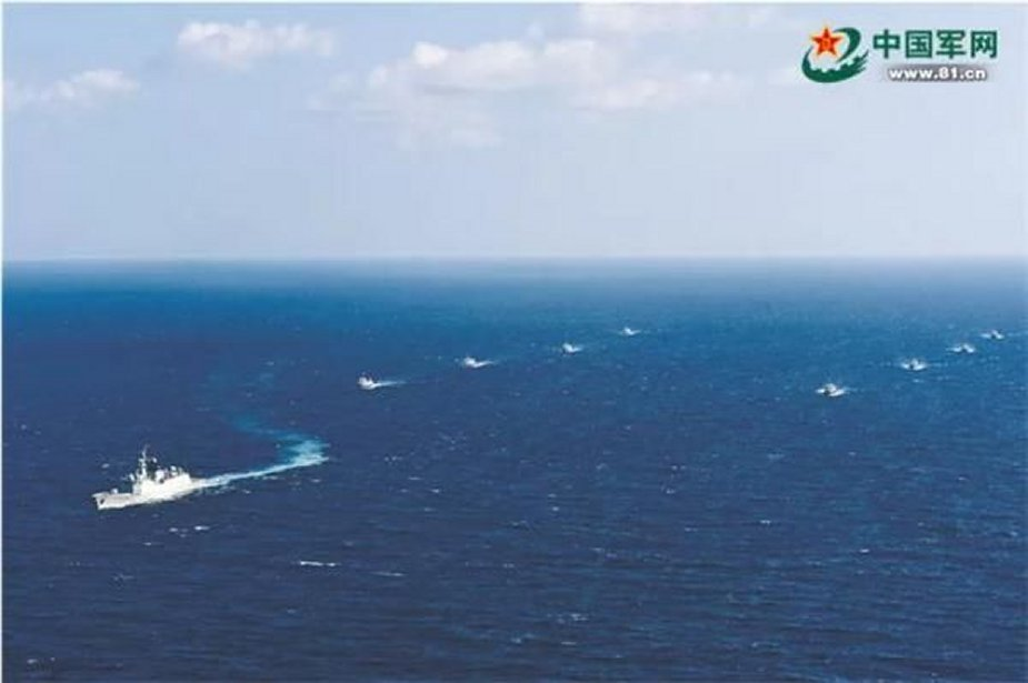 Chinese naval 33rd escort taskforce escorts eight Chinese fishing boats west of the Gulf of Aden