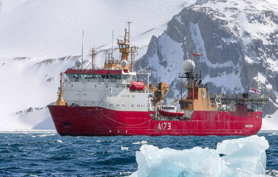 http://www.navyrecognition.com/images/stories/news/2021/august/HMS_Protector_heads_Antarctica-01.jpg