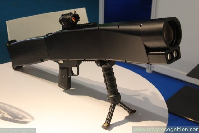 Euronaval 2016 GEIM demonstrates its LDI non lethal laser rifle 640 001