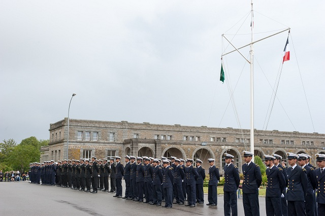Paris, 14 December 2012 –DCI-NAVFCO, the naval department of DCI,is pleased with the arrival of 67 new foreign officer trainees on its school benches, which is a record in the company's history. The 67 cadets integrate DCI-NAVFCO's 2 leading programs: