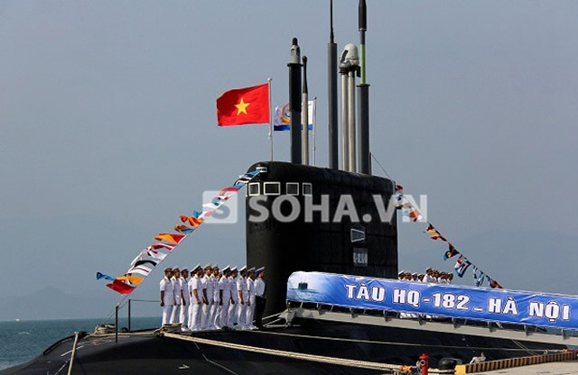 "On the morning of January 15, 2014 in the Vietnamese naval base in Cam Ranh Bay , took place the commissioning ceremony of the Vietnamese Navy large diesel - electric submarine (SSK) HQ-182 ""Hà Nôi"" (Project 636 Kilo/Varshavyanka class). It is the first unit of six SSK built in Russia by JSC ""Admiralty Shipyards"" under a 2009 contract. In a ceremony attended by Navy Commander of the Vietnam People's Navy (VNA), Vietnam Deputy Defence Minister Admiral Nguyen Van Hien and Deputy Commander of the Navy Vice Admiral VNA Pham Ngoc Minh."