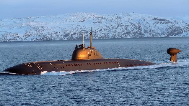 Russian Navy Victor III-class SSN Obninsk Practices Torpedo Attack in Drills