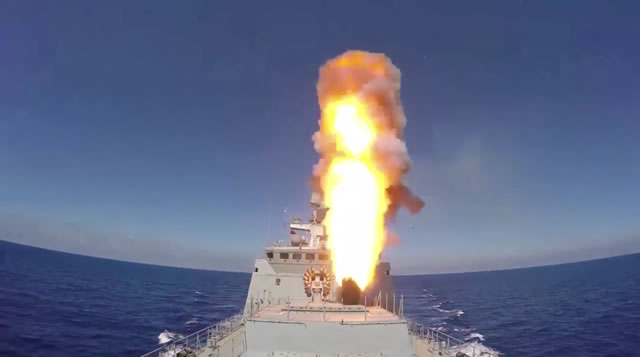 Video: Russian Frigate & Submarine Launch Kalibr Cruise Missiles against IS