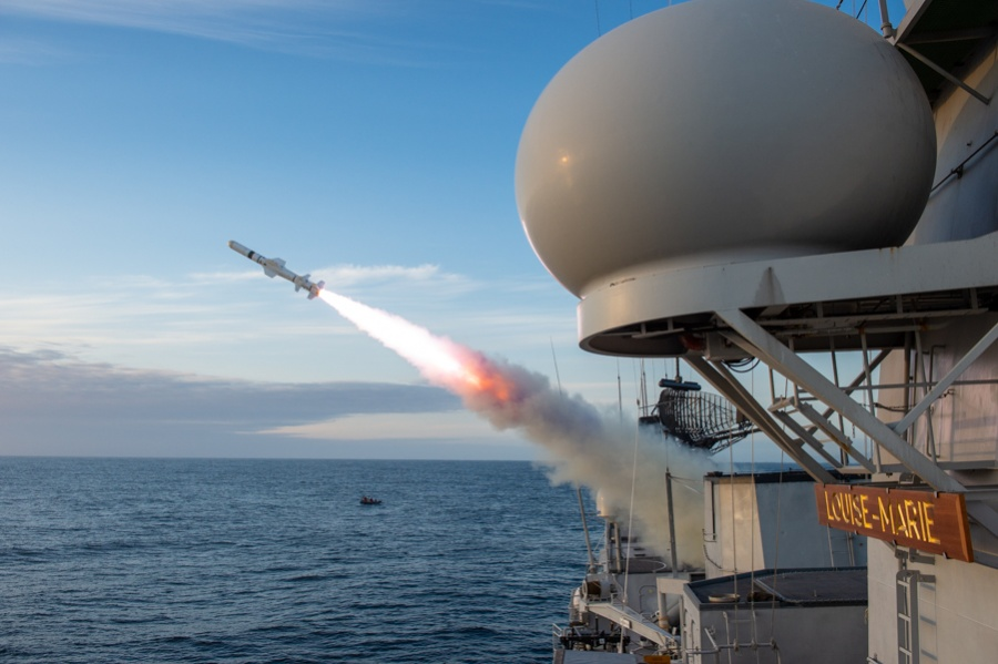 Video Belgian Navy Frigate Louise Marie Fires Harpoon Missile for the 1st Time