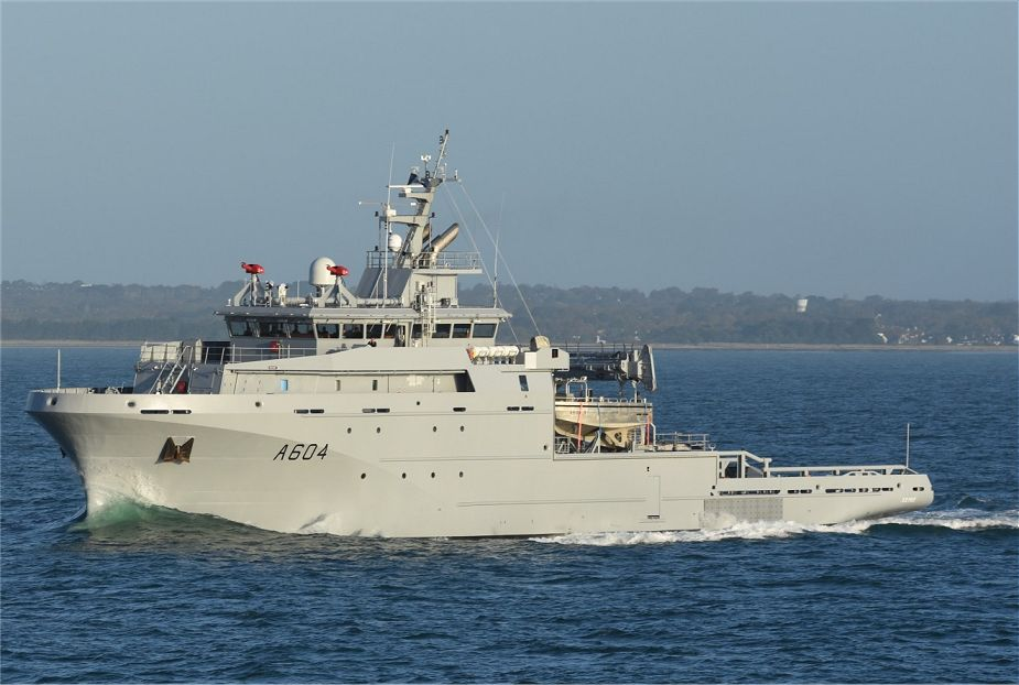Seine BSAM naval support and metropolitan support ship was commissioned with the French Navy 925 001