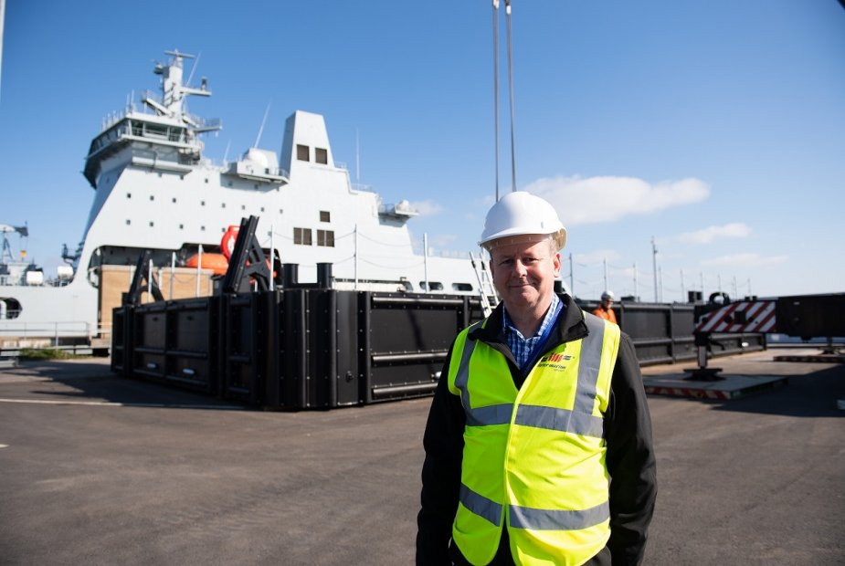 Intermarine UK completed pontoon for new aircraft carriers of the Royal Navy