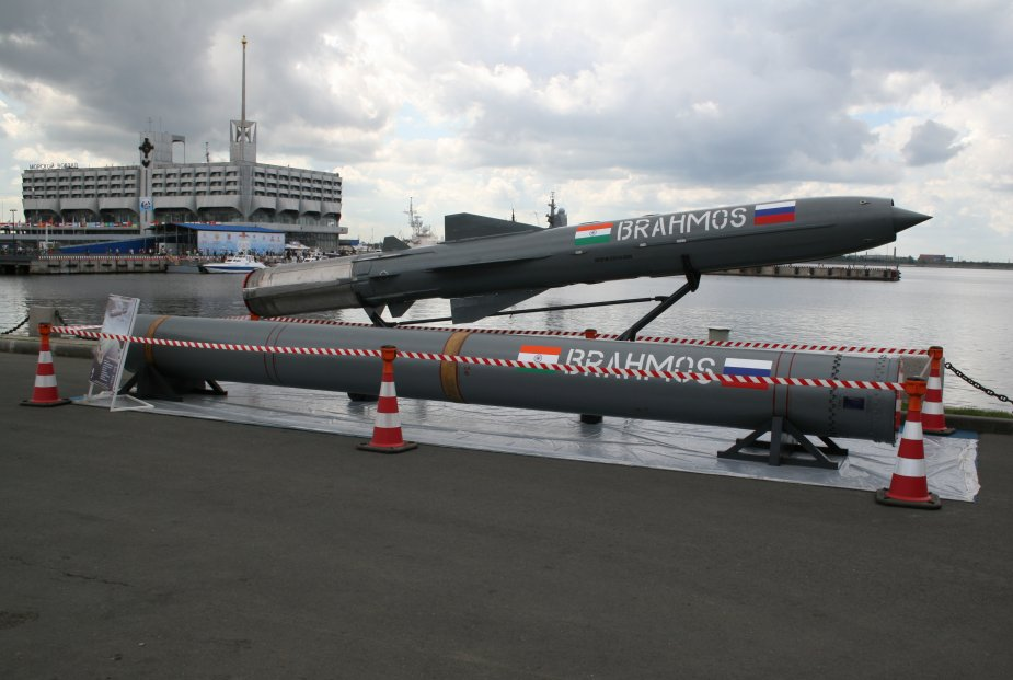 DRDO BrahMos supersonic cruise missile successfully fired by Indian Navy 925 001