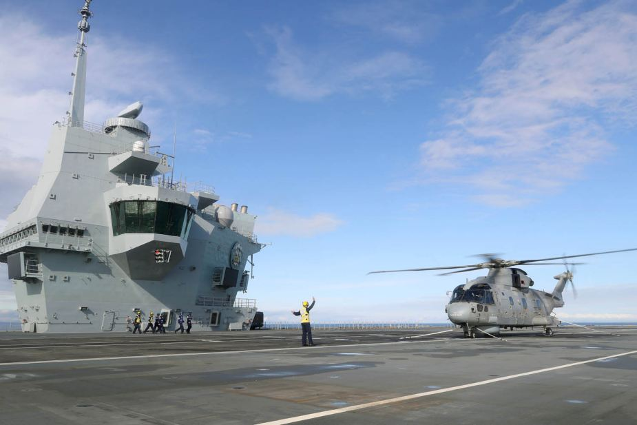 First Merlin Mk2 helicopter lands on HMD Prince of Wales aircraft carrier 925 001