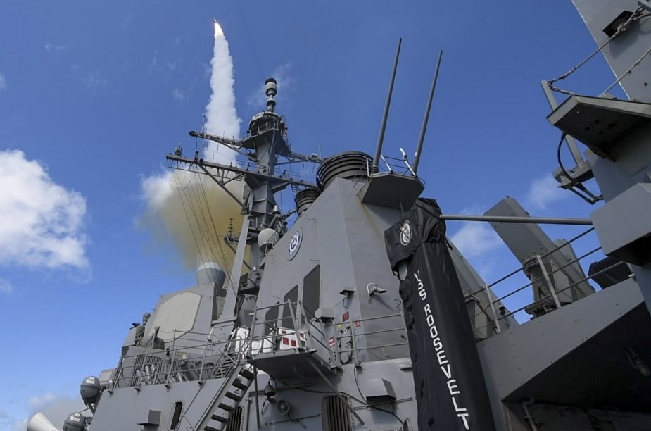 Raytheon US Navy test first SM 2 Block IIIB missile from restarted production line 925 001