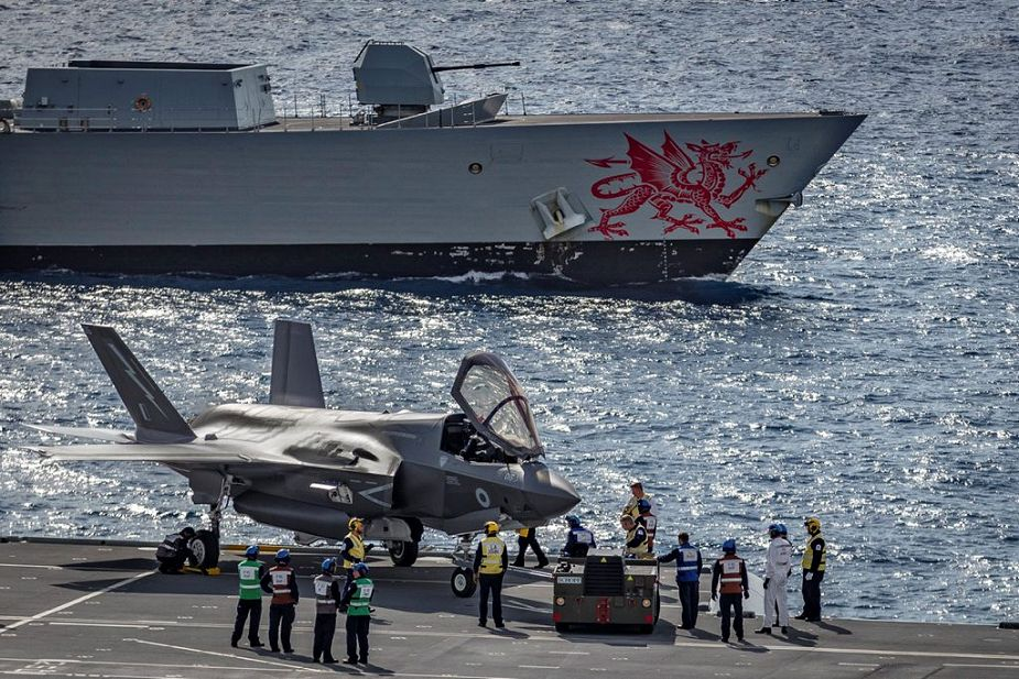 British Navy aircraft carrier HMS Queen Elizabeth sails for F 35B jet trials in UK waters 925 002