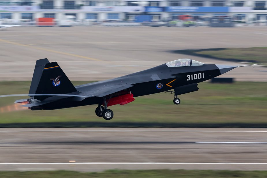 Chinese FC 31 Stealth Fighter to possibly enter service in the PLA Navy 925 002