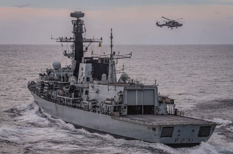 British Royal Navy shadows seven Russian warships in the Channel and North Sea 925 001