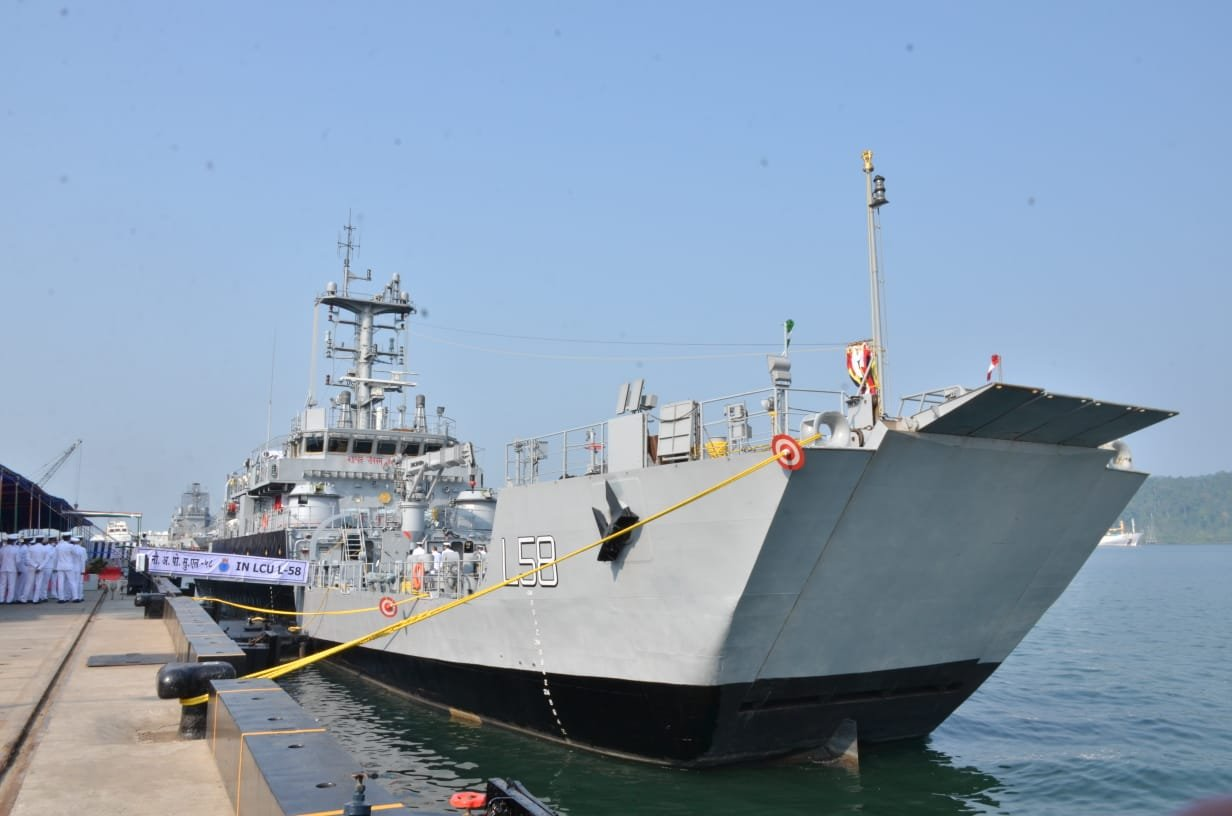 https://www.navyrecognition.com/images/stories/news/2021/march/Indian_GRSE_commissions_IN_LCU-L58_Yard_2099.jpg