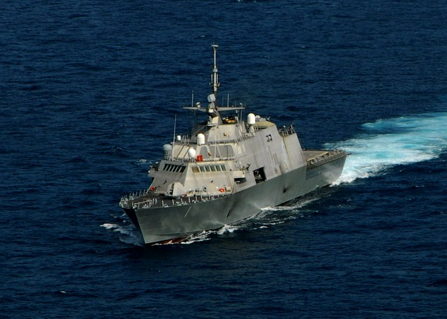 Freedom class lcs littoral combat ship uss freedom lcs 1 uss fort worth lcs 3 uss milwaukee lcs - Uss freedom lcs 1 photos ...